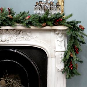 Berry and Pinecone 2.7m Garland