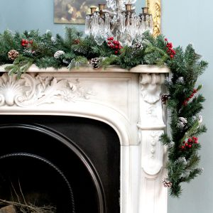 Frosted Winter Berry Garland – 2.7m