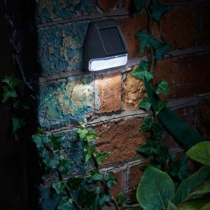 Smart Solar Wall, Fence & Post 3 Lumens Light