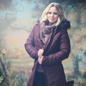 Kimberley Walsh X Regatta Women's Fritha Quilted Fur Trimmed Hooded Parka Jacket – Burgundy