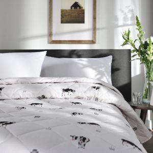 Deyong Cows Bedspread, Cream
