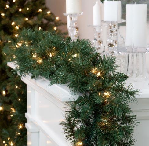 Christmas Garlands & Wreaths